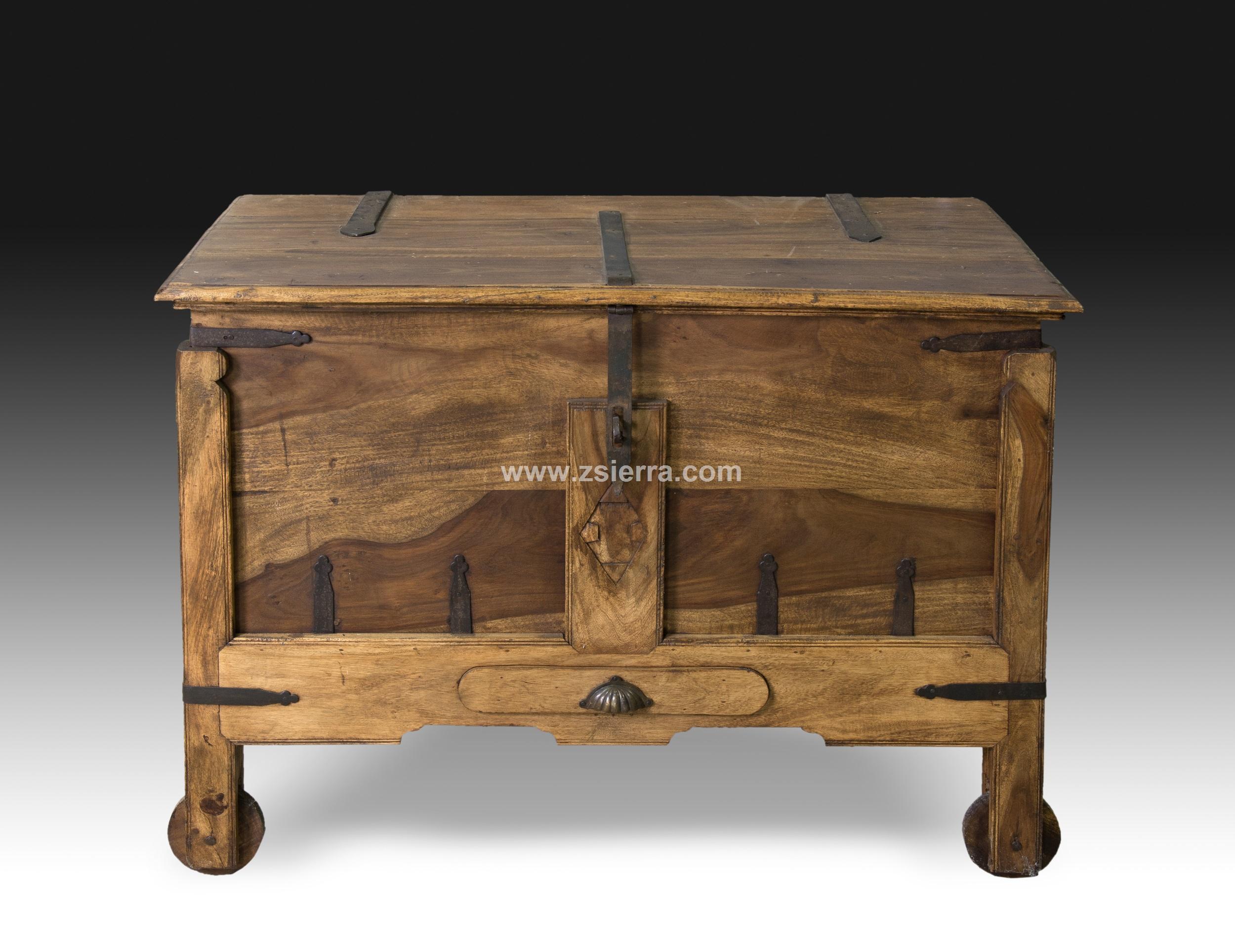 Z sierra antig edades y objetos de decoraci n arca - Mobiliario rustico ...